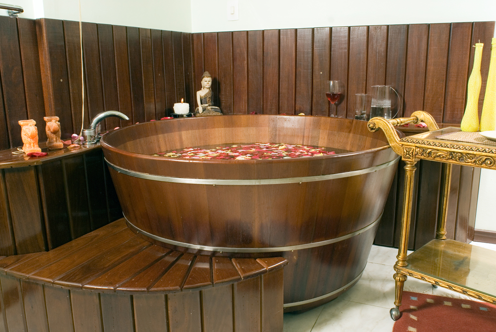 Vinotherapy bath in the barrel
