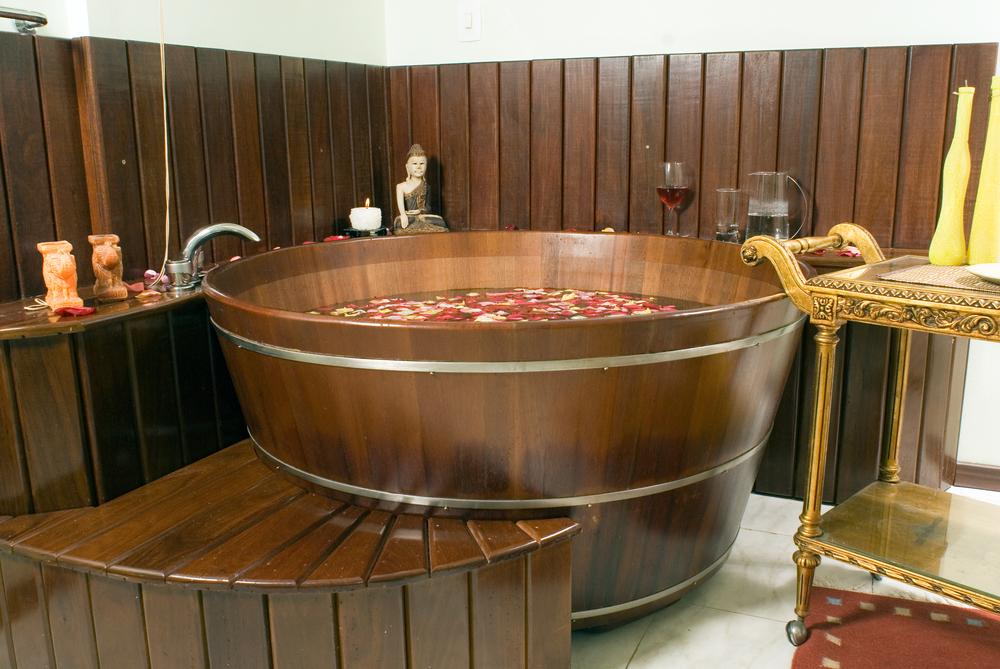 Vinotherapy bath in the barrel
