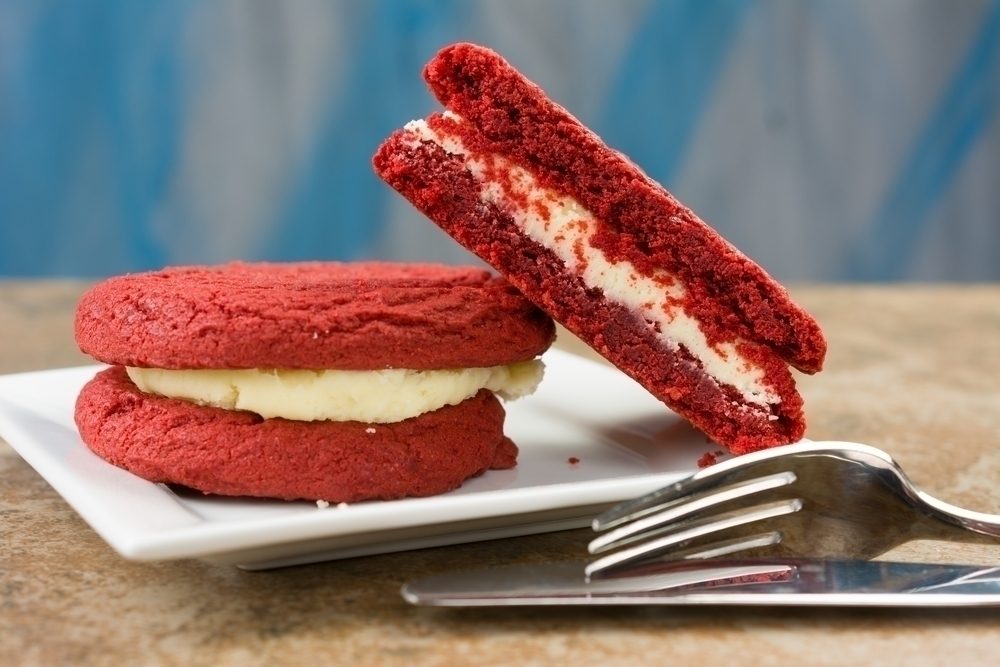Red velvet ice cream sandwich cake made using Oreos