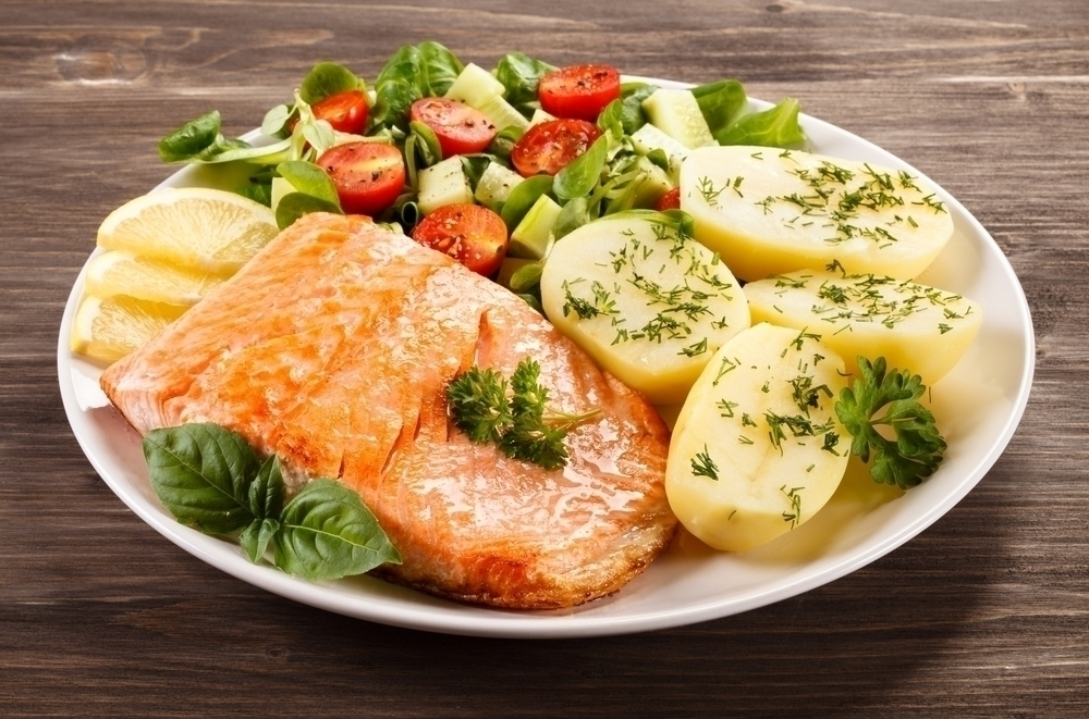 Salmon with vegetables.