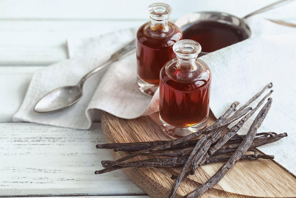 Essential oil with vanilla sticks